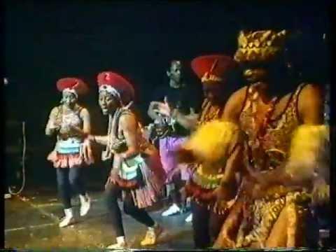 Mahlathini & The Mahotella Queens - Re Ya Dumedisa