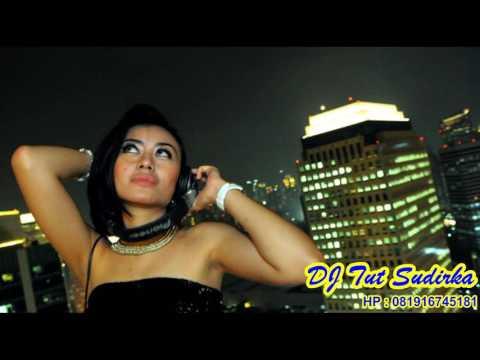 DJ Suara hati Ayu ting2 ,Cinta pertama ,Sebelas dua belas (FUNKOT)