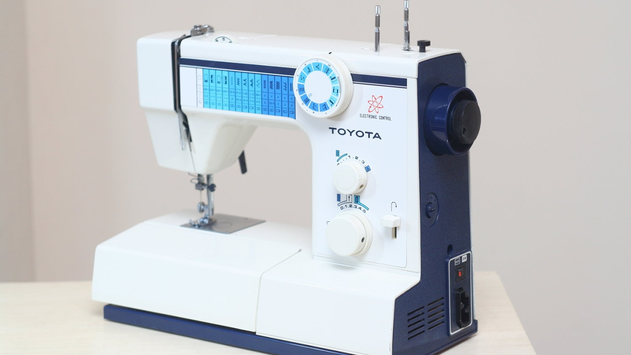 Toyota 2600 Electronic Control Nähmaschine Sewing machine