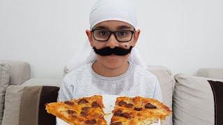 Pizzacı Amca Buğra Bize Pizza Getirdi Berat Beğenerek Yedi