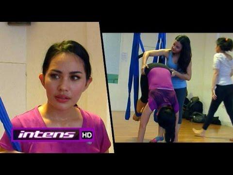 Kartika Putri Menjajal Swing Yoga - Intens 20 Januari 2016