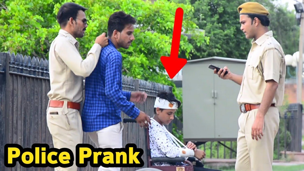 Police Arresting Beggars Prank | Bhasad News | Pranks in India