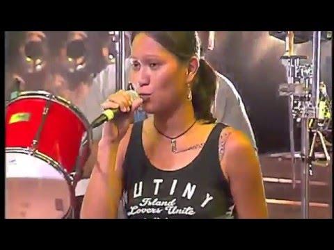 BABY K PONE   Ici ou là bas (live TNTV)