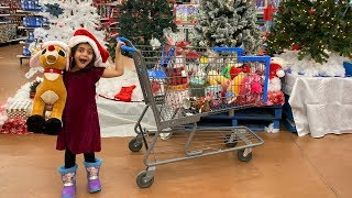 Sally goes Shopping for Christmas Toys