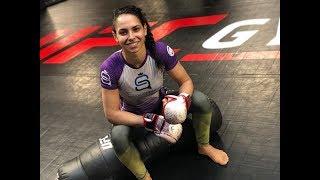 "UFC Brooklyn: Conheça Ariane Lipski, a ""Rainha da Violência"""