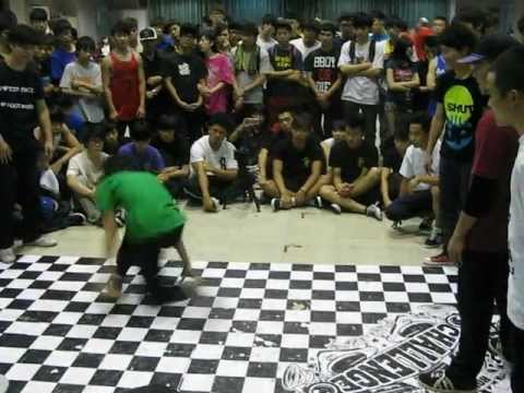 Challenge Cup Hong Kong 2012- 16強-Beat FocuX(L) vs Crossover(R) part.1/2.AVI