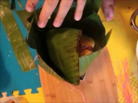 How to wrap Chung cake by banana leaves (Gói bánh chưng bằng lá chuối)