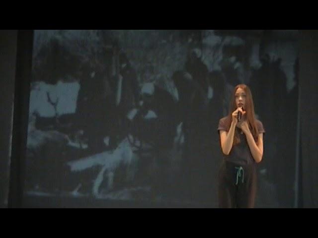 Изображение предпросмотра прочтения – МарияКатаева читает отрывок изпроизведения «Странный дуэт» Н.А.Бондаревой-Болдык