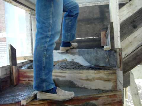 Llenado de escalera pb a 1 piso 6 10 10 mov youtube for Construccion de una escalera de hormigon
