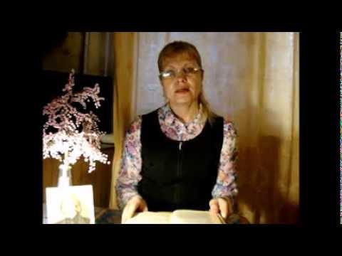 Изображение предпросмотра прочтения – ЛюбовьНадречная читает отрывок изпроизведения «Ночь перед рождеством» Н.В.Гоголя