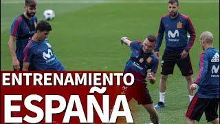 La foto oficial y el entrenamiento de España | Diario AS
