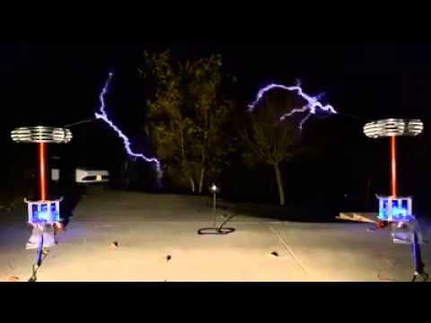 Playing Music Using High Voltage Electricity Bolts!