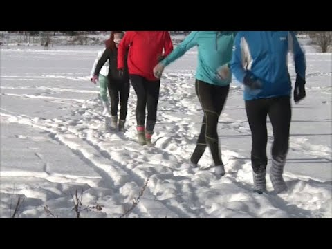 Finns say shoeless snow running provides 'happiness'