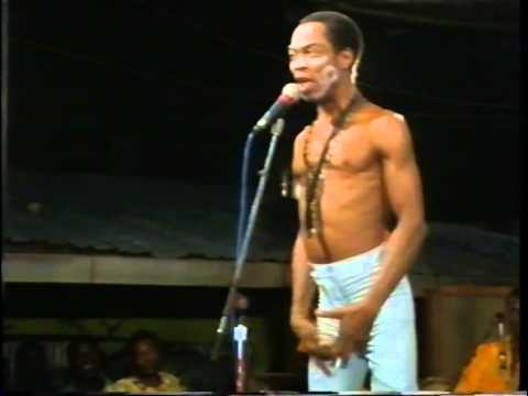 Fela Anikulapo Kuti Live At The Shrine 1987  Introducing the show and yabbis