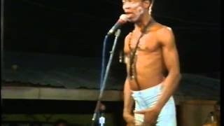 Fela Anikulapo Kuti Live At The Shrine 1987  Introducing the show and yabbis