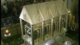 католическая служба у мощей(, 2010-05-03T20:02:51.000Z)