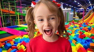 Детская игровая площадка и развлечения с Настюшей и Женей