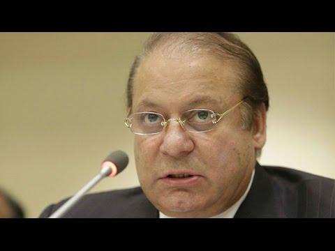 Prime Minister Nawaz Sharif addressing forum in Hong Kong