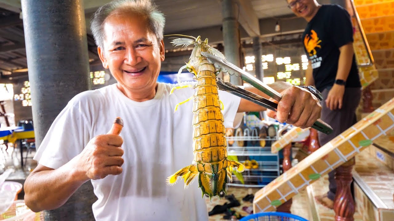 HUGE ALIEN MANTIS SHRIMP and Mud Crab!! Ultimate Thai Food Tour of Trat, Thailand!