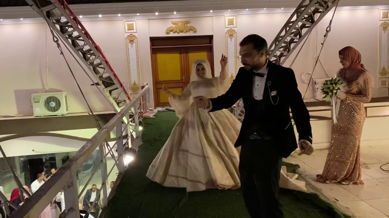 اخت العروسه عماله تعيط ف اول الزفه والعروسه زعلت اوي 😭😭😭