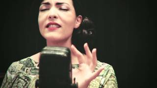 Download Caro Emerald - Paris (Acoustic) Mp3 and Videos