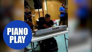 Girl with no arms and legs plays piano in front of a crowd in this emotional clip