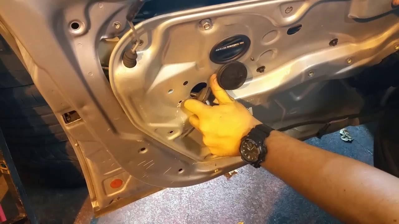 2004 (B5.5, 2001-05) Volkswagen Passat Front Driver Door Complete Disassembly