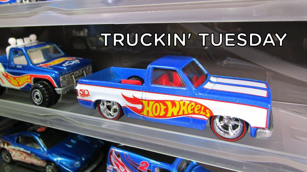 5e05a01193 Hot Wheels Display Case with '83 Chevy Silverado Dairy Delivery Race Team  Showcase