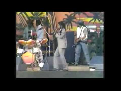 Gregory isaacs -Live Sunsplash 1985
