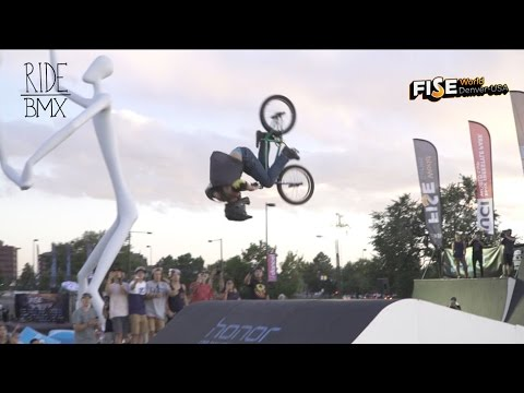 DOUBLE FRONT FLIP ON A BMX AT FISE gnarly!!!
