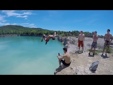 Peebles Ohio Cliff Jumping, 60ft!