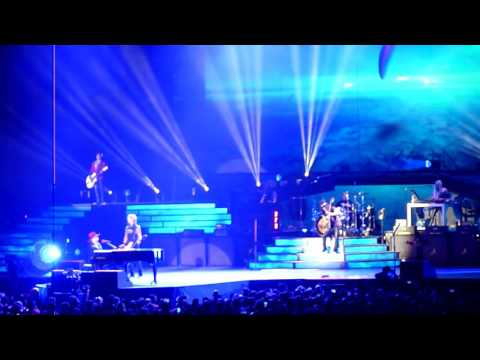 guns-n'-roses---november-rain-(live)-at-ford-field-in-detroit,-mi-on-06.23.16
