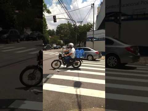 Pedestre: A última prioridade em São Paulo