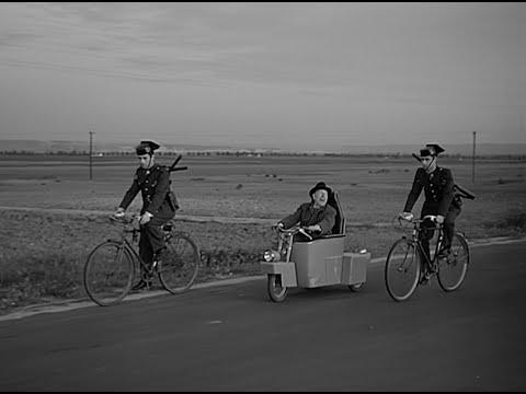 El cochecito (Marco Ferreri, 1960) - Trailer