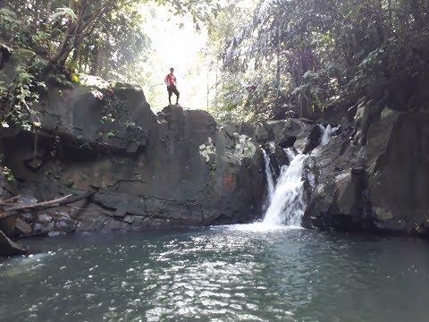 Rizzku Hiking to Wasai Waterfall TTV Nov 2017