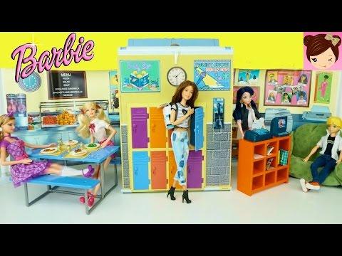 Barbie Doll Highschool Playset - Cafeteria Doll Lockers and Computer Room - Barbie Vintage Toys