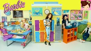 Barbie Doll Highschool Playset - Cafeteria Doll Lockers and Computer Room - Barbie Vintage Toys