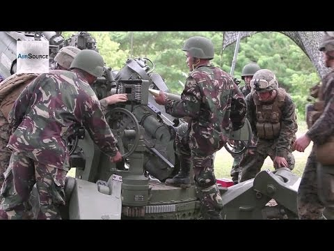US Marines, Philippine Forces Train on M777A2 155mm Howitzers Together