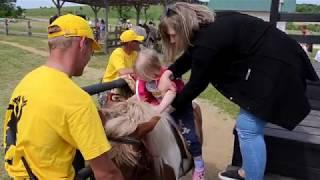 Семейный сафари парк Кудыкина гора, катаемся на пони и кормим животных, детское видео.