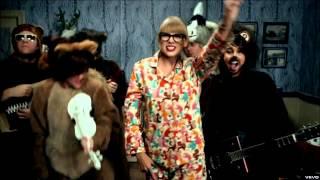 Taylor Swift - We are Never Ever Getting Back Together (Pig Version)