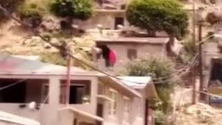 Dramatico derrumbe de casas en Tijuana