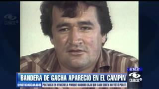 Bandera con imagen de Rodríguez Gacha i...