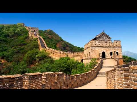 Building the great wall Donald Trump vs Ron Paul