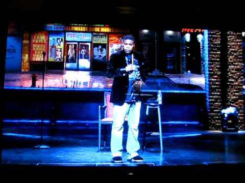HBO – Tracy Morgan: Black and Blue Standup Comedy at the Apollo – Gagging Bit