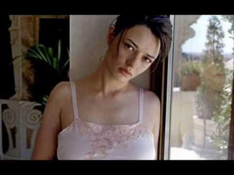 Carmen consoli guarda l 39 alba doovi - A finestra carmen consoli ...