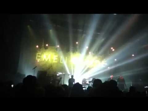 River -Emile Sande live