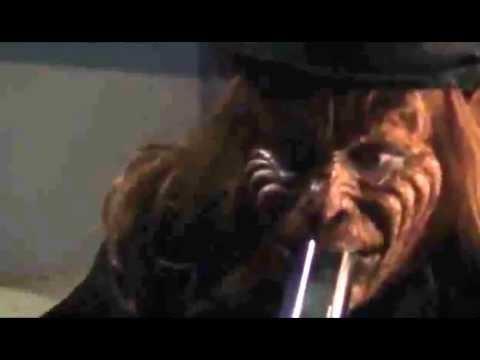 El Duende Maldito Fumando En Una Bong Youtube