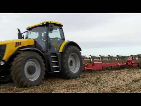 Power In Action 2009 - Tractors And Farm Machines At Work