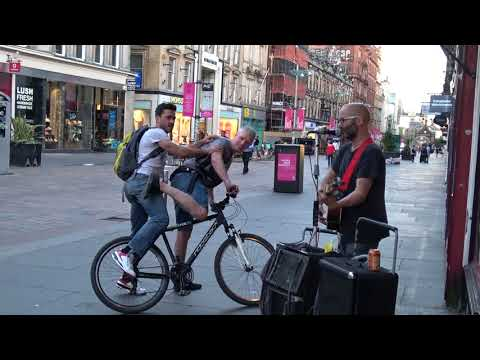 #Busking In #Glasgow (#guitarist Plays #blues And #bikers Pay) E.3