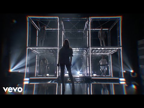 Hailee Steinfeld, Alesso - Let Me Go (feat. Florida Georgia Line & Watt) [Live From The AMAs 2017]